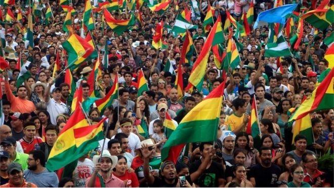 Khủng hoảng Bolivia: Ai tiếp quản chiếc ghế của ông Morales? - ảnh 1