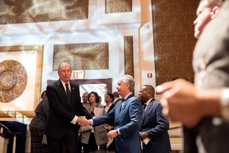Tỉ phú Bloomberg chi 30 triệu USD cho 60s quảng cáo tranh cử - ảnh 2