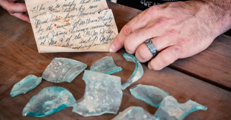 Bức thư trong chai bí ẩn 112 tuổi ở trường đại học - ảnh 1