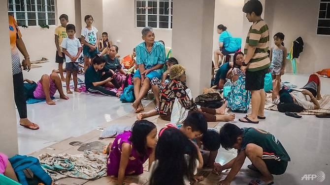 Dân Philippines đón Giáng sinh bằng cá hộp, mì gói do bão - ảnh 2