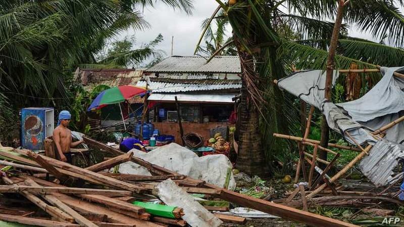 Dân Philippines đón Giáng sinh bằng cá hộp, mì gói do bão - ảnh 5