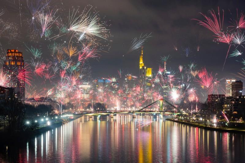 Hình ảnh thế giới ngập tràn trong pháo hoa đón năm mới - ảnh 2