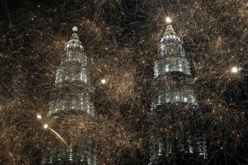 Hình ảnh thế giới ngập tràn trong pháo hoa đón năm mới - ảnh 8