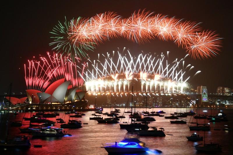 Hình ảnh thế giới ngập tràn trong pháo hoa đón năm mới - ảnh 1