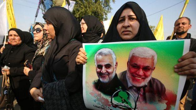 Hàng ngàn người dự lễ tang tướng Iran Soleimani - ảnh 2