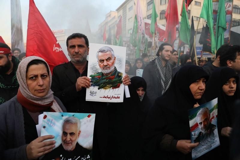 Người Iran tiếc thương Tướng Soleimani, căm phẫn nước Mỹ - ảnh 6