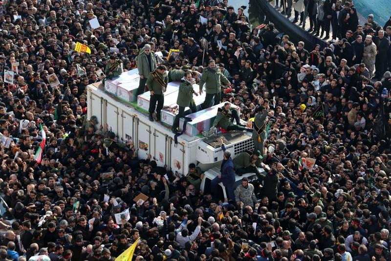 Người Iran tiếc thương Tướng Soleimani, căm phẫn nước Mỹ - ảnh 8