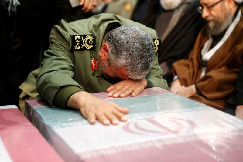 Người Iran tiếc thương Tướng Soleimani, căm phẫn nước Mỹ - ảnh 5