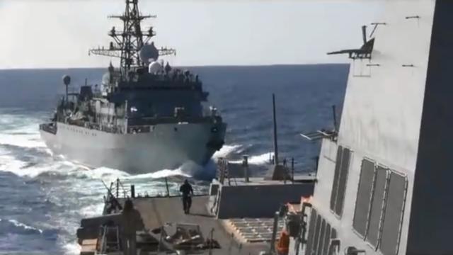 Tàu chiến Nga suýt va chạm tàu khu trục Mỹ trên biển Arab - ảnh 1