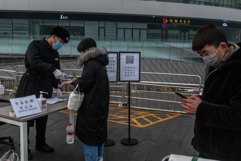 Bắc Kinh cách ly người từ quê trở về để phòng dịch COVID-19 - ảnh 1