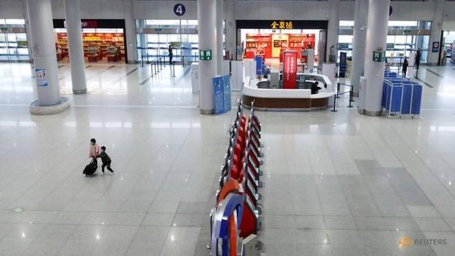 Bất chấp dịch COVID-19, Trung Quốc vẫn bơm tiền xây sân bay - ảnh 2