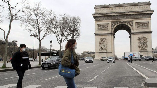 COVID-19 Pháp: 11.000 ca nhiễm, thiếu khẩu trang trầm trọng - ảnh 1