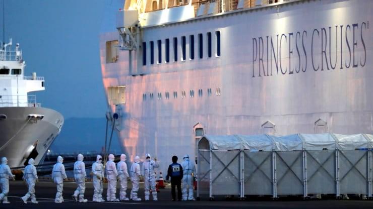 Virus gây dịch COVID-19 sống tận 17 ngày trên du thuyền Nhật - ảnh 1