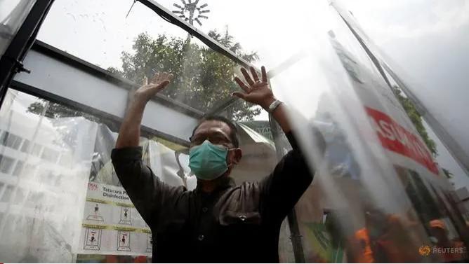 Nếu không mạnh tay, Indonesia sẽ có đến 71.000 ca nhiễm - ảnh 2