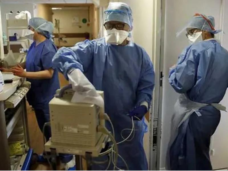 Số người chết vì COVID-19 ở Pháp vượt mốc 10.000  - ảnh 1