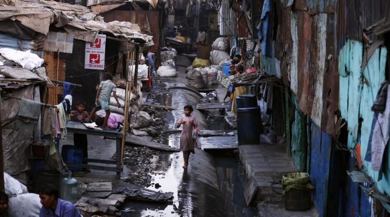 Khu ổ chuột lớn nhất châu Á ra sao trong mùa dịch COVID-19? - ảnh 1