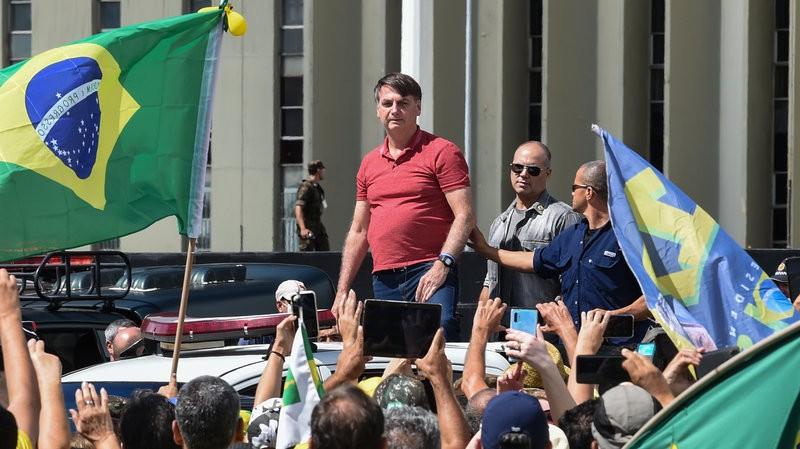 Tổng thống Brazil giải thích vụ tham gia biểu tình cùng dân - ảnh 1