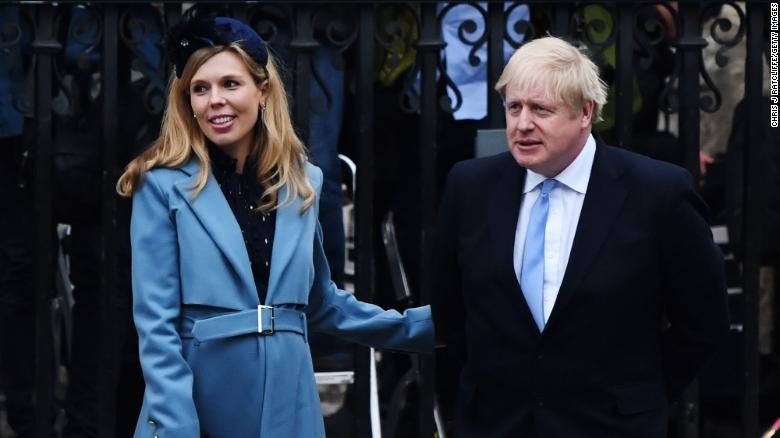 Thủ tướng Anh và hôn thê đón con trai chào đời - ảnh 1