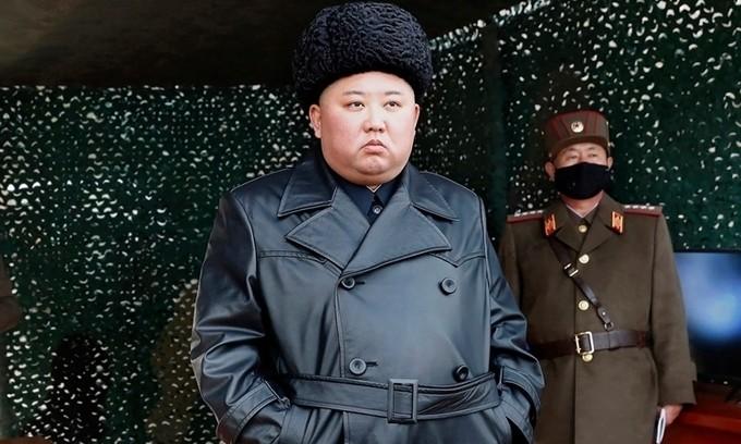 Ông Kim Jong-un bất ngờ xuất hiện trước công chúng - ảnh 1