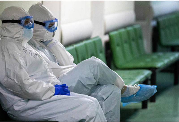 Nga: 3 bác sĩ chống dịch COVID-19 ngã cửa sổ bí ẩn - ảnh 1