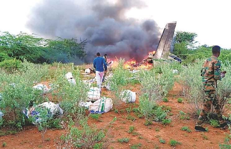 Máy bay chở hàng viện trợ COVID-19 rơi ở Somalia - ảnh 1