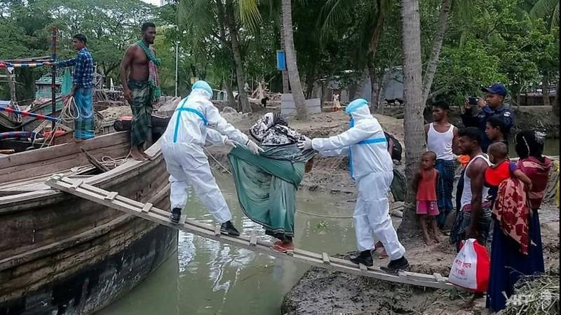 Siêu bão mạnh nhất hàng thập kỷ tàn phá Ấn Độ, Bangladesh - ảnh 5