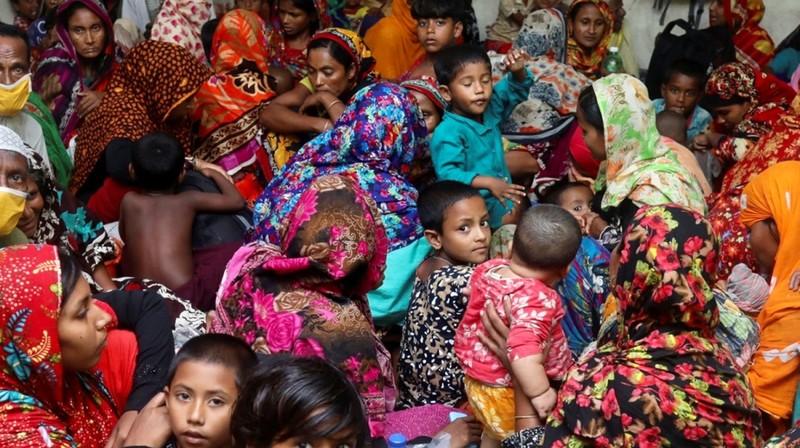 Siêu bão mạnh nhất hàng thập kỷ tàn phá Ấn Độ, Bangladesh - ảnh 2