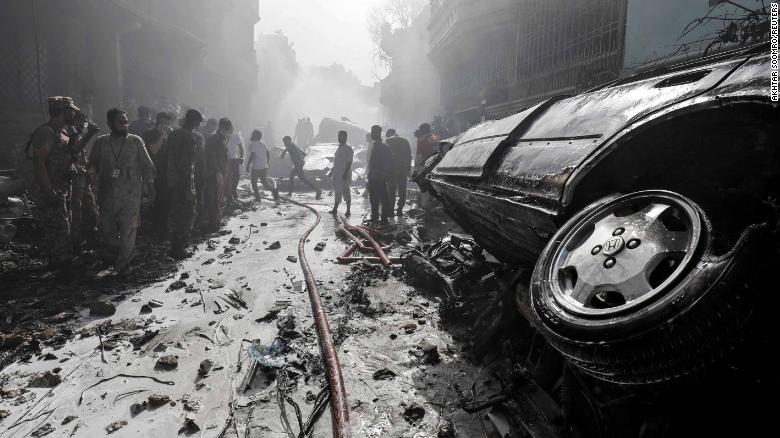 Người sống sót kể lại lúc máy bay chở 99 người rơi và bốc cháy - ảnh 6