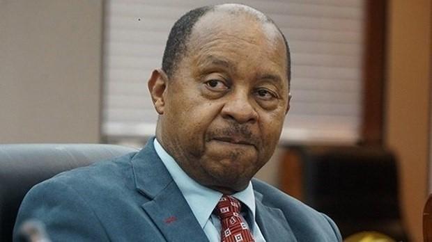 Bộ trưởng Zimbabwe bị bắt, nghi ăn chặn tiền mua thiết bị y tế - ảnh 1