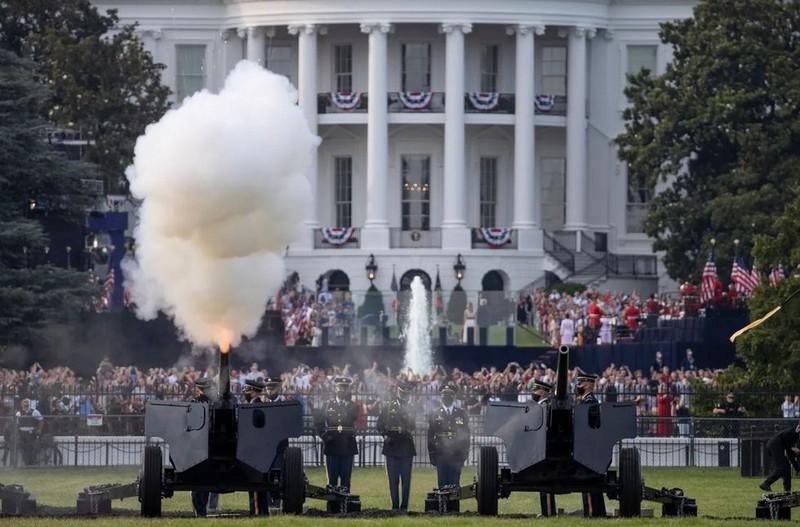 Ảnh: Ông Trump tổ chức Quốc khánh Mỹ tại Nhà Trắng - ảnh 6