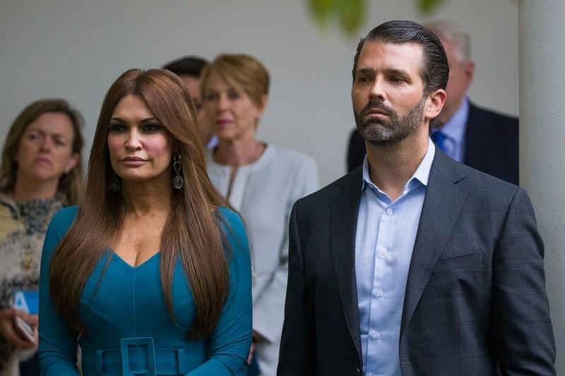 Bạn gái của con trai Tổng thống Trump dương tính với COVID-19 - ảnh 1