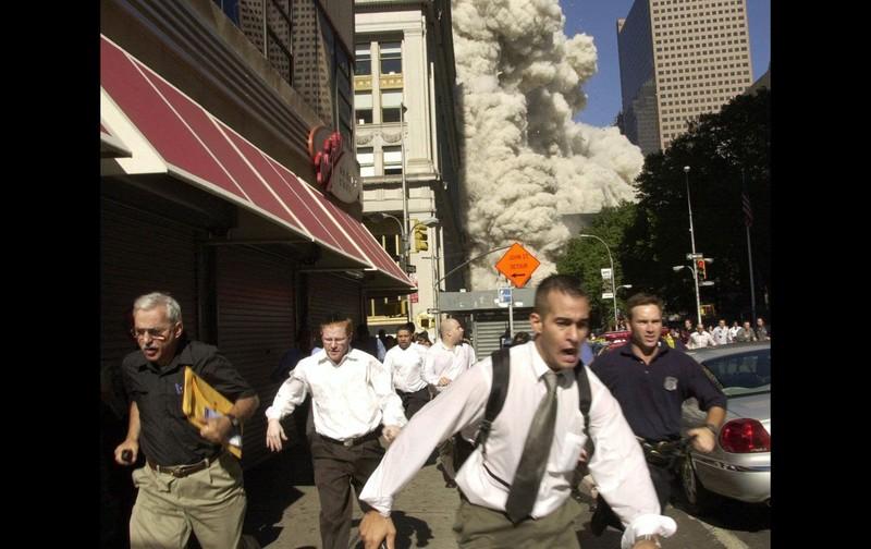 Người thoát chết trong vụ 11-9 qua đời vì COVID-19 - ảnh 1