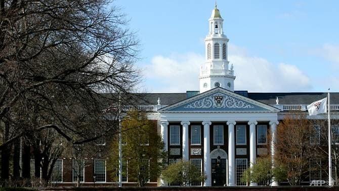 Đại học Harvard kiện chính quyền Mỹ gây sức ép với du học sinh - ảnh 1