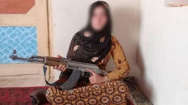 Thiếu nữ 16 tuổi bắn hạ 3 tay súng Taliban, trả thù cho cha mẹ - ảnh 1