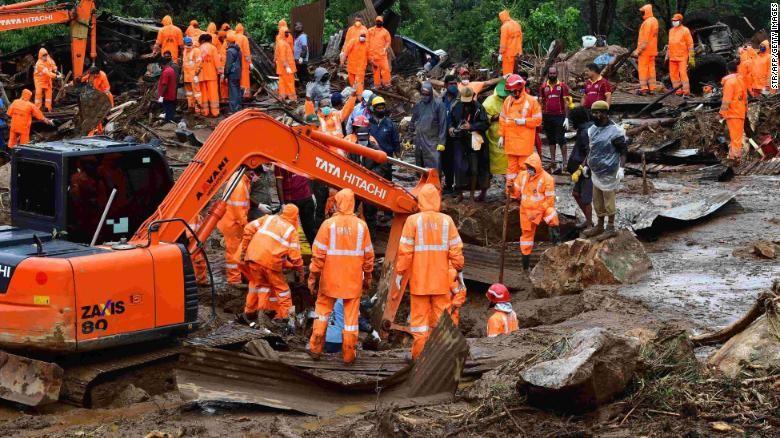 Lở đất kinh hoàng ở Ấn Độ, 43 người bị chôn vùi - ảnh 1