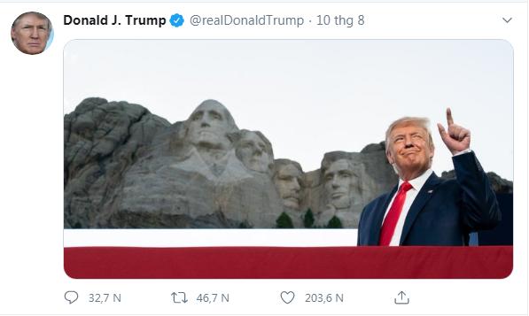 Ông Trump: Tạc tượng tôi lên núi Rushmore là ý tưởng hay ho - ảnh 1