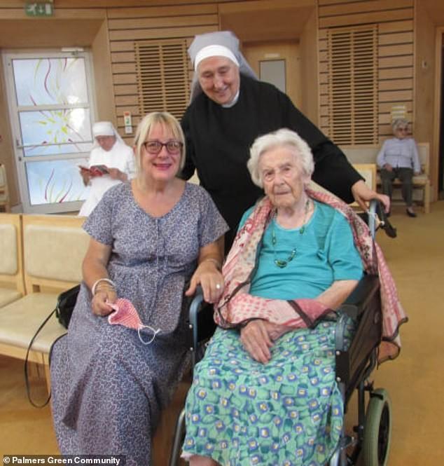 Cụ bà 107 tuổi chia sẻ bí quyết chiến thắng COVID-19 - ảnh 1