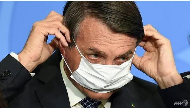 Họp báo, Tổng thống Brazil đòi đấm vào miệng phóng viên - ảnh 1