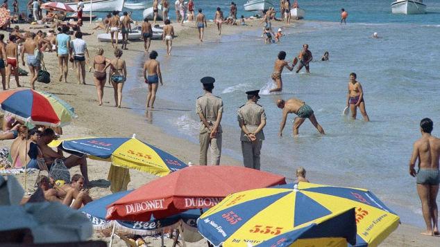 Bắc Cyprus sắp mở cửa lại 'thị trấn ma' - ảnh 2