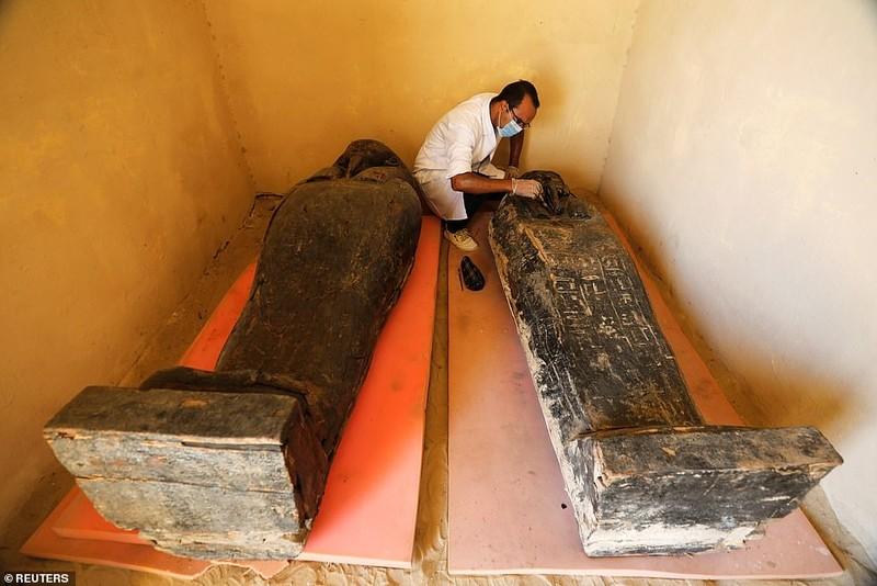 Ai Cập mở nắp quan tài xác ướp 2.500 năm  - ảnh 7