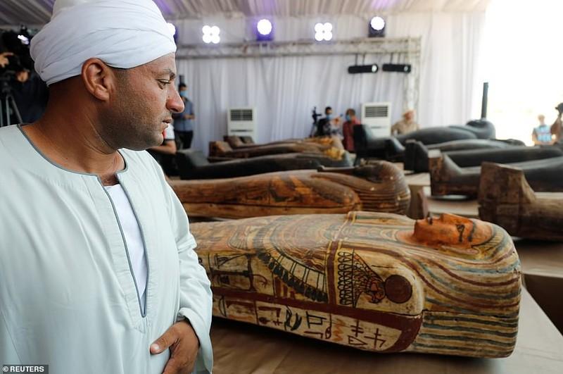 Ai Cập mở nắp quan tài xác ướp 2.500 năm  - ảnh 2