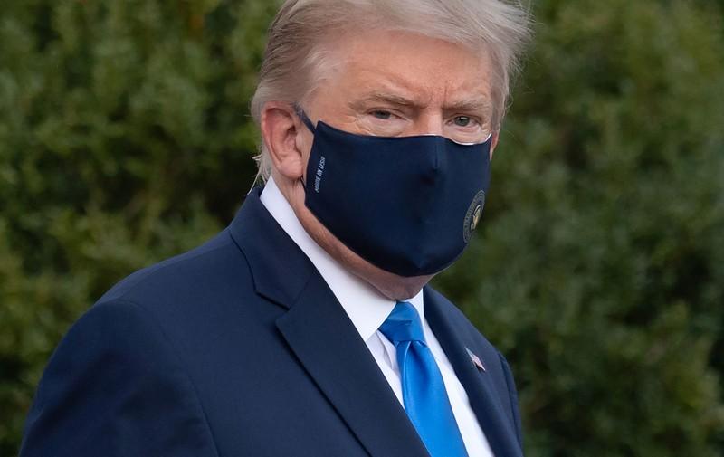 Có thông tin ông Trump phải thở oxy trước khi đến bệnh viện - ảnh 1