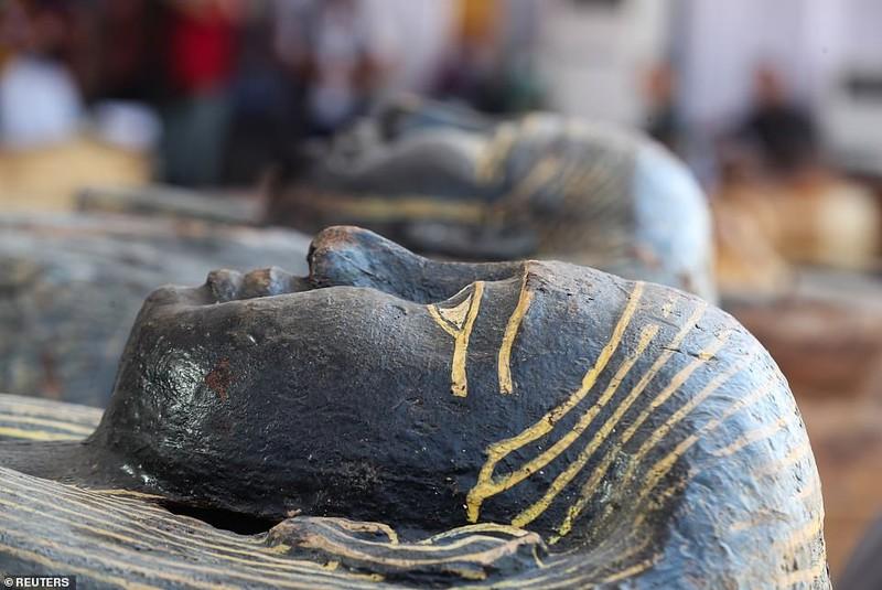 Ai Cập mở nắp quan tài xác ướp 2.500 năm  - ảnh 8