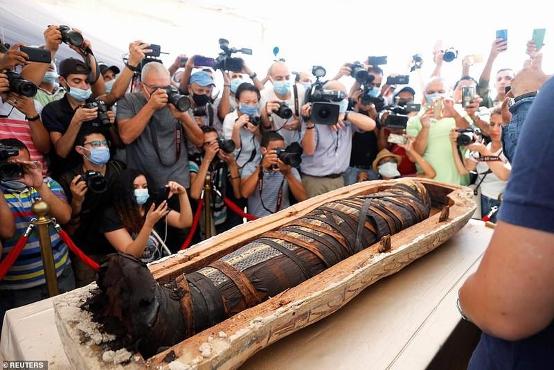 Ai Cập mở nắp quan tài xác ướp 2.500 năm  - ảnh 4