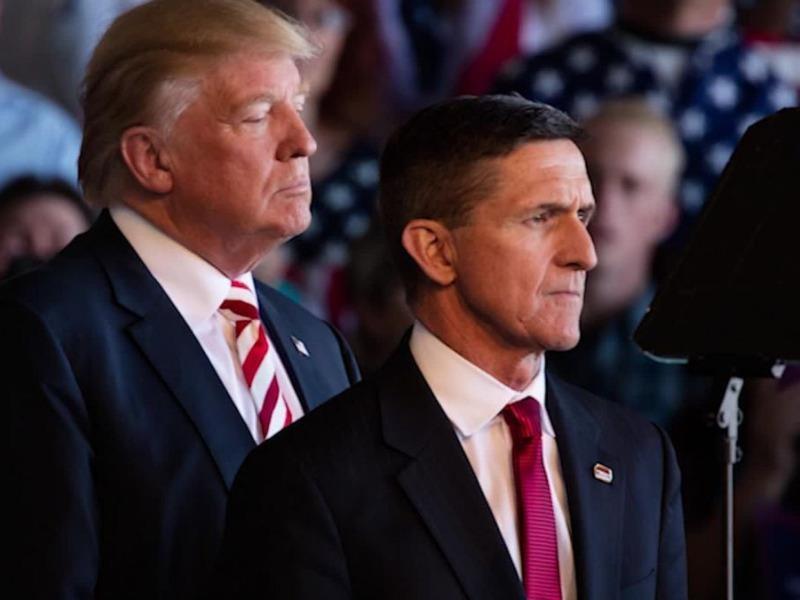 Ông Trump ân xá cho cựu cố vấn an ninh quốc gia Flynn - ảnh 1