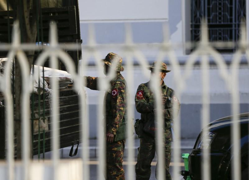 Quân đội Myanmar nắm quyền, ban bố 1 năm tình trạng khẩn cấp  - ảnh 2