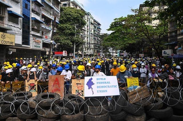 Việt Nam kêu gọi các bên liên quan ở Myanmar đối thoại - ảnh 1