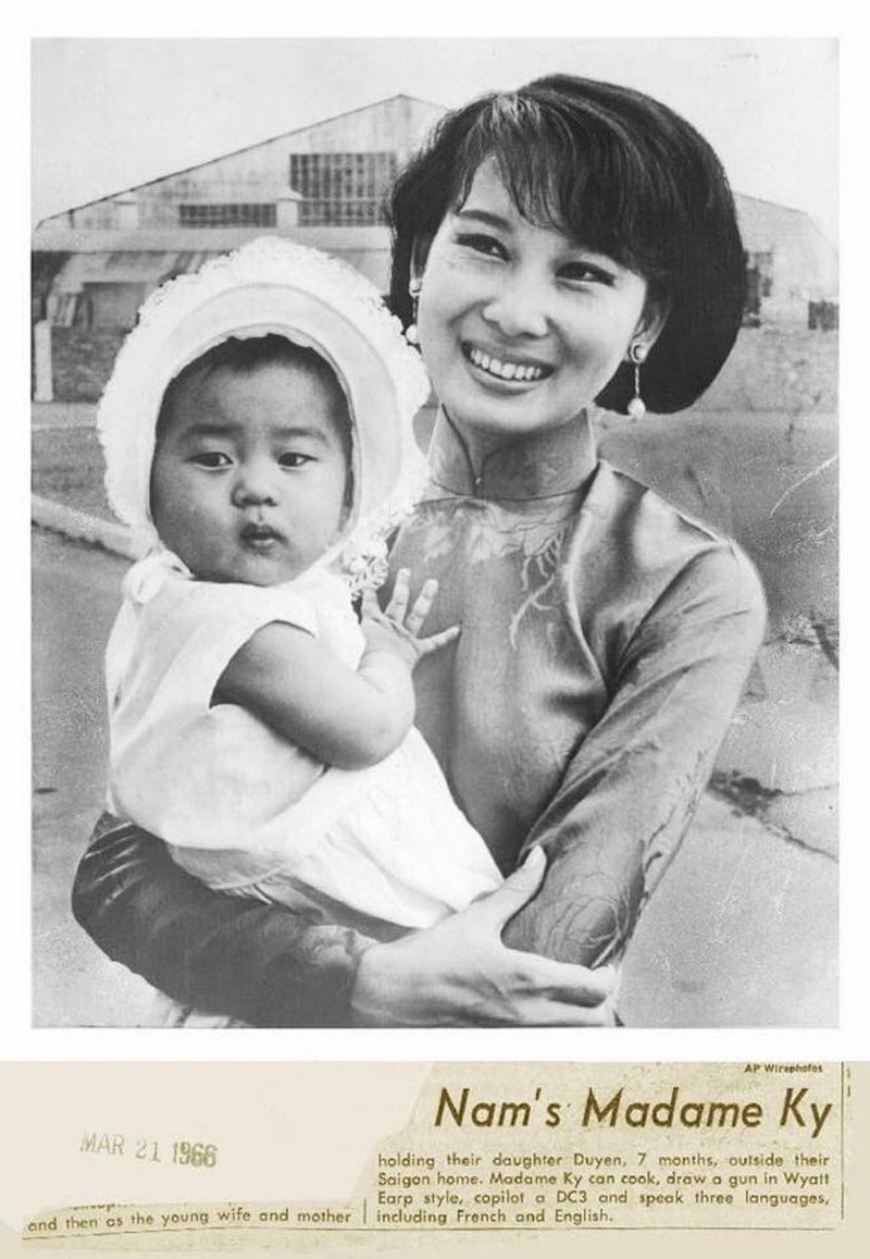 MC Nguyễn Cao Kỳ Duyên về Mỹ chịu tang mẹ - ảnh 3