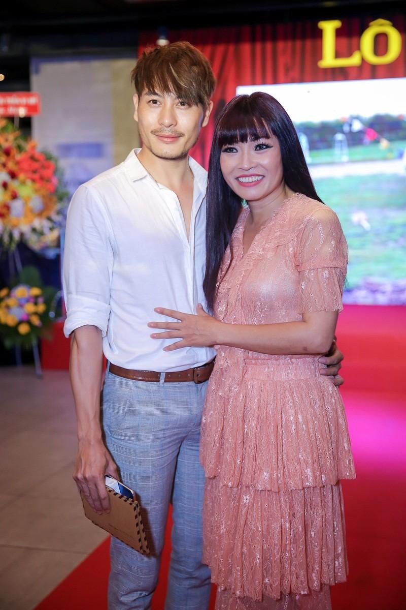 Sao Việt nô nức chúc mừng dàn diễn viên phim Lô tô - ảnh 13