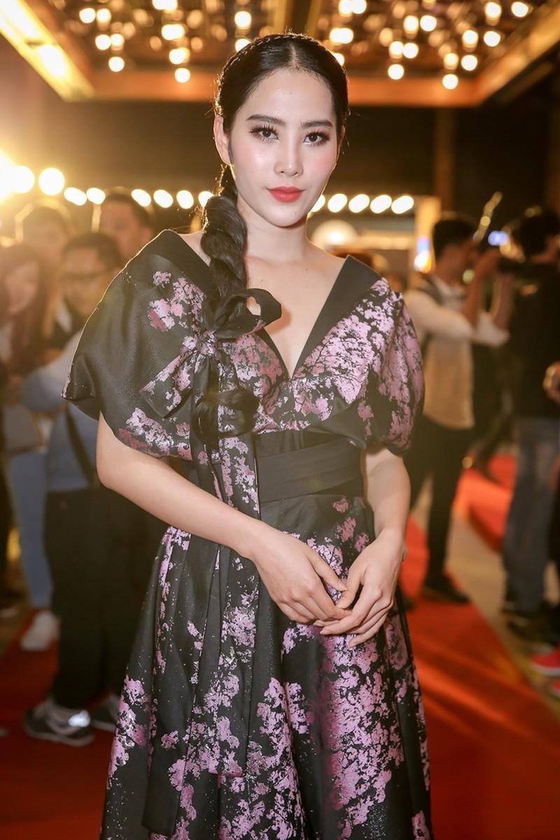 Sao Việt nô nức chúc mừng dàn diễn viên phim Lô tô - ảnh 7